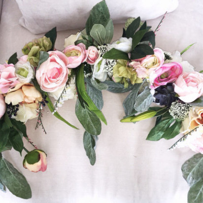 Romantic garland available for rent