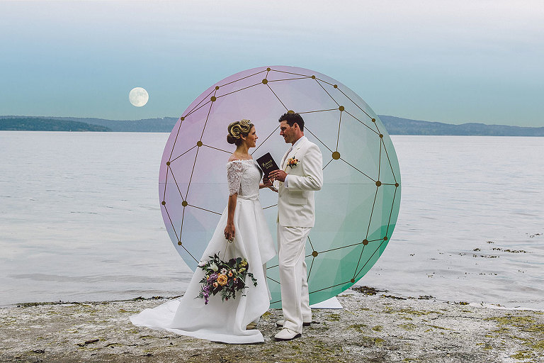 A modern Victoria wedding design with a seaside lunar theme by Party Mood.